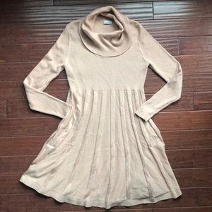 Calvin Klein Dress w/ Gold Sparkle 💚